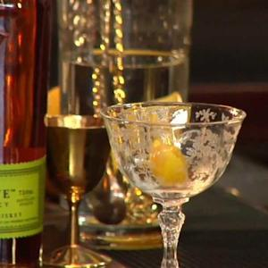 Kentucky Medicine Cocktail - Raising the Bar with Jamie Boudreau - Small Screen