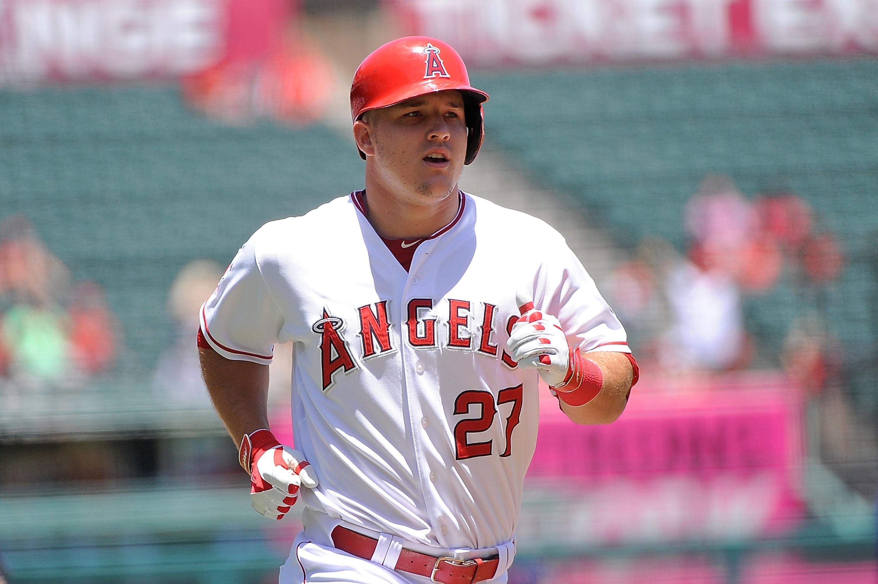 Eight-year-old meets Mike Trout after undergoing life-changing eye surgery