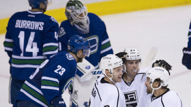 Kings' Quick stops 19 shots in shutout of Canucks