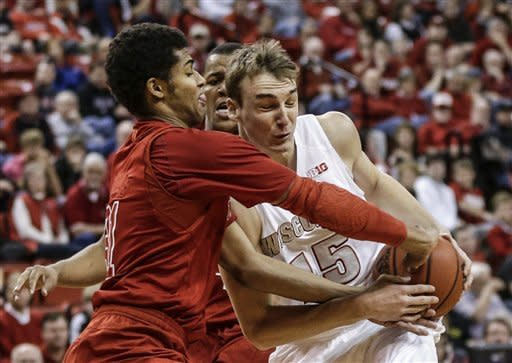 Wisconsin grinds out a 47-41 win over Cornhuskers