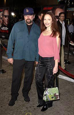 John Ritter and Amy Yasbeck at the Westwood premiere of MGM's Bandits