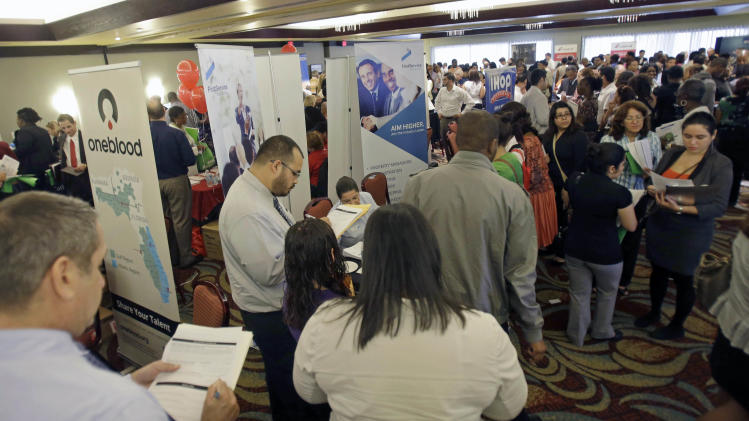 Weekly US jobless aid applications tick up to 308K