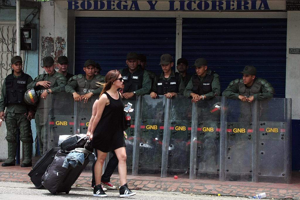 Venezuela takes census in border area as part of row with Colombia