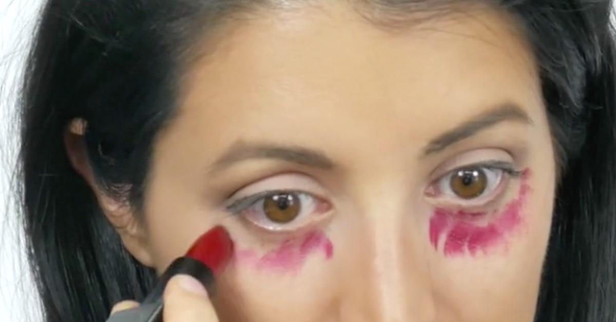 Learn To Use Lipstick To Cover Dark Eye Circles