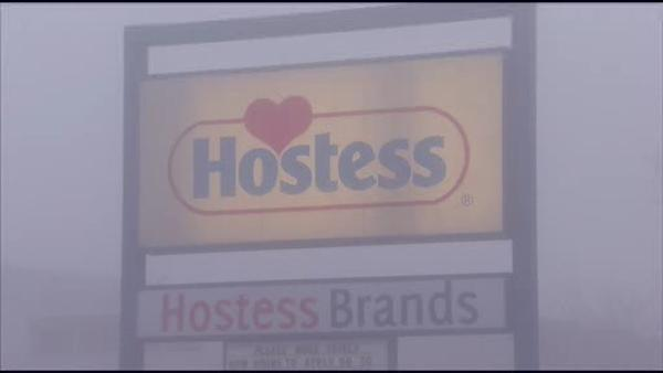 Philly workers honor picket lines in Hostess strike