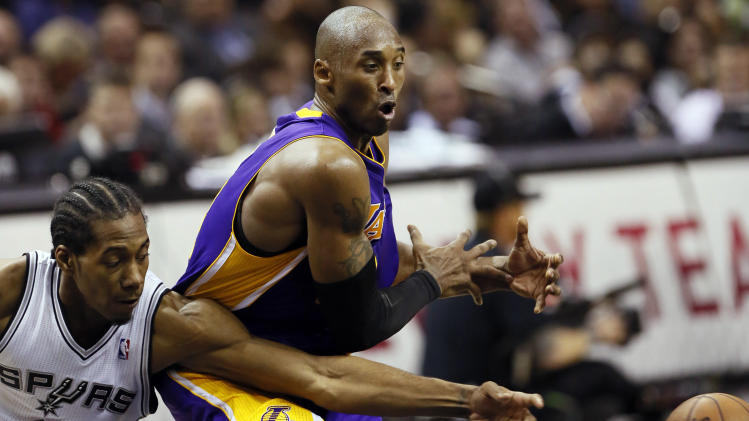 NBA: Los Angeles Lakers at San Antonio Spurs