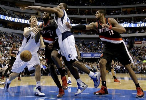 Mayo, Mavs beat Blazers for Carlisle's 500th win