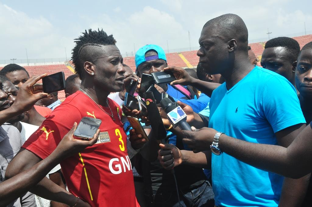 Gyan's father threatens legal action over age-cheat reports