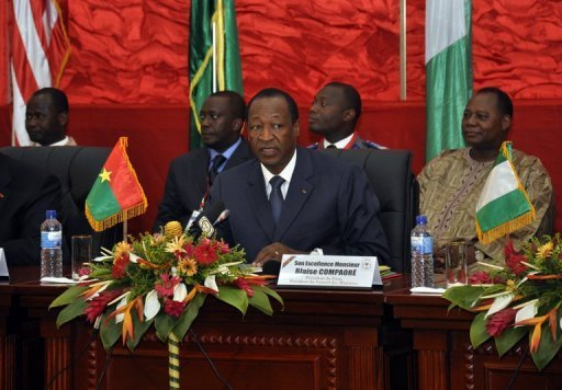 <p>Burkina Faso's President Blaise Compaore, a mediator for the Economic Community of West African States, opened talks in Ouagadougou with five regional heads of state but with Mali's transitional leaders notable by their absence.</p>