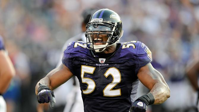 BALTIMORE - SEPTEMBER 21: Ray Lewis #52 of the Baltimore Ravens celebrates after a defensive stop against the Cleveland Browns September 21, 2008 at M&T Bank Stadium in Baltimore, Maryland. (Photo by G Fiume/Getty Images)
