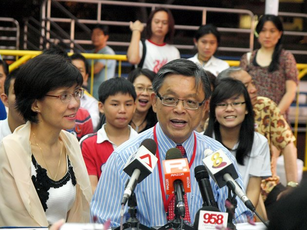 Tan Jee Say reveals during the recount process that he would have preferred Dr Tan Cheng Bock as President. (Yahoo! photo)