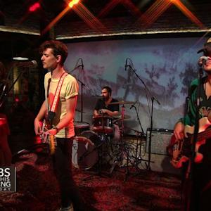 Houndmouth perform