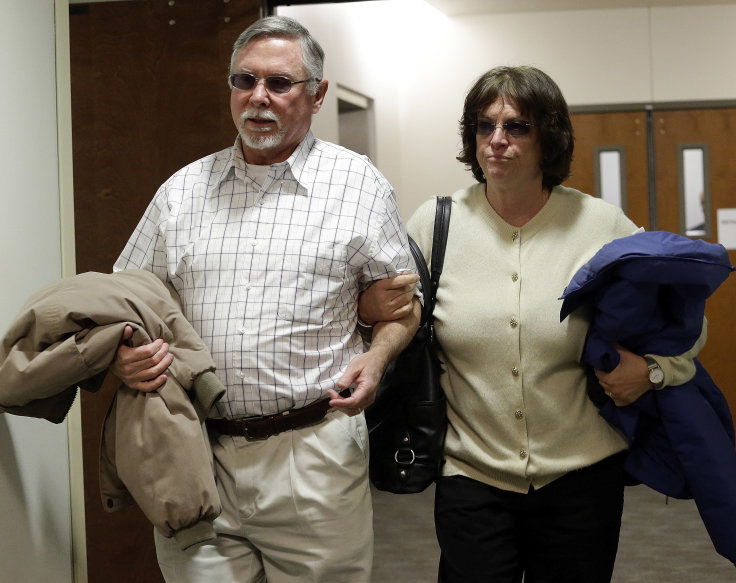 Robert and Arlene Holmes, parents of Aurora theater shooting suspect James Holmes, arrive in court in 2013. (AP)