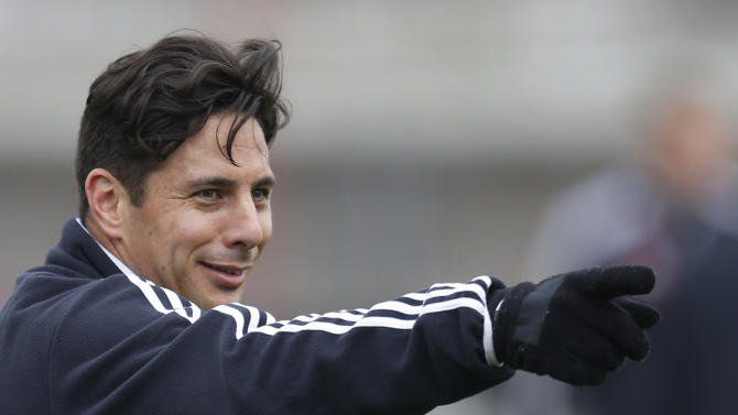 Munich's Claudio Pizarro of Peru gestures during a training session in Munich, southern Germany, on Monday, April 1, 2013. Bayern Munich will face Juventus Turin in a first leg Champions League quarterfinal soccer match on Tuesday. (AP Photo/Matthias Schrader)