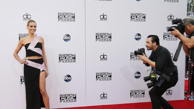 Heidi Klum arrives at the 42nd American Music Awards in Los Angeles