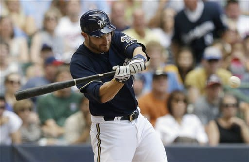 Lucroy, Greinke help Brewers rout Twins 16-4