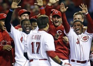 Mesoraco, Choo HRs send Reds over Braves 5-4