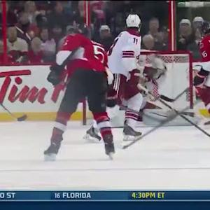 Mike Smith gloves late redirection