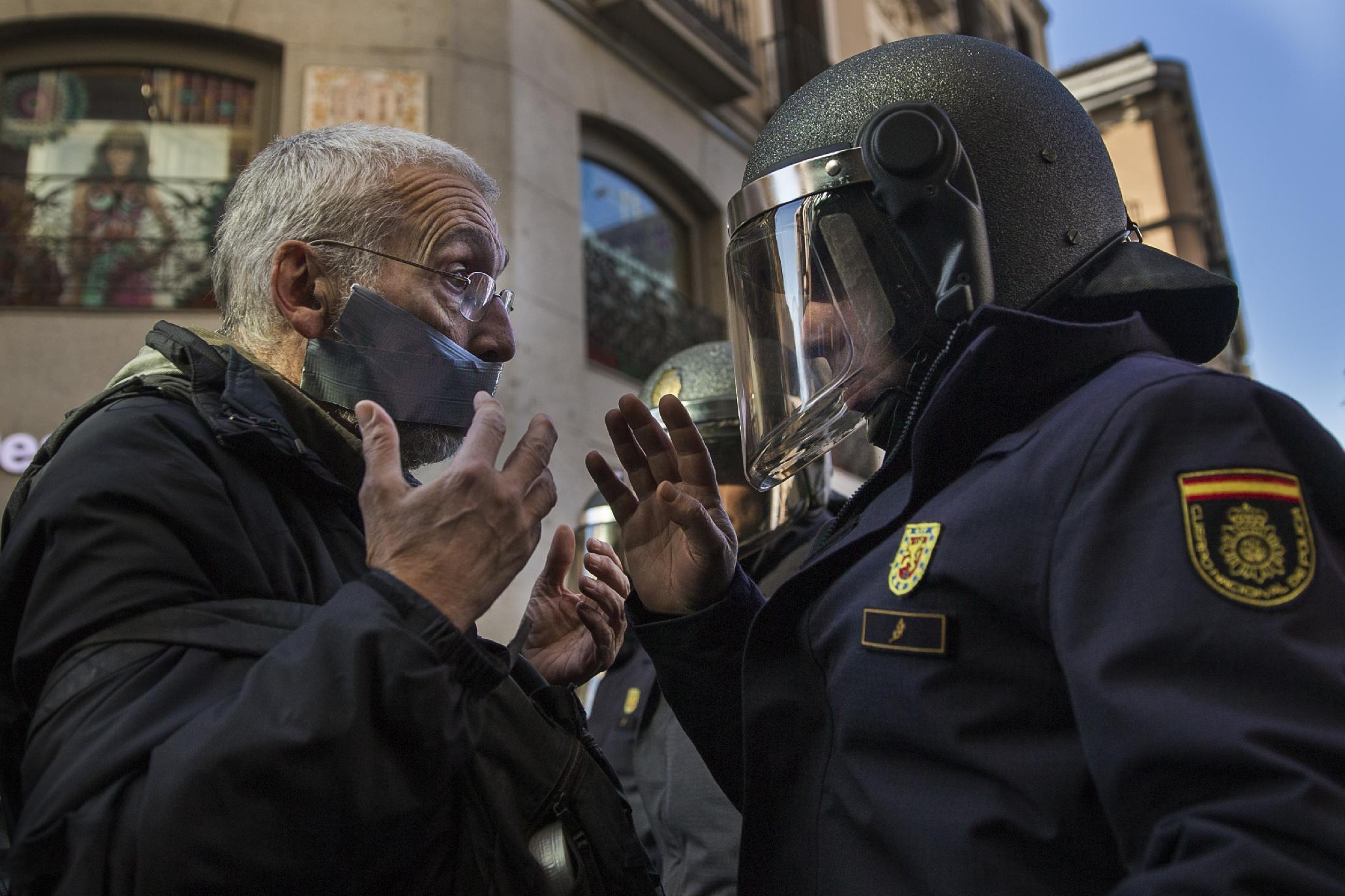 Spaniards protest their nation's proposed security law
