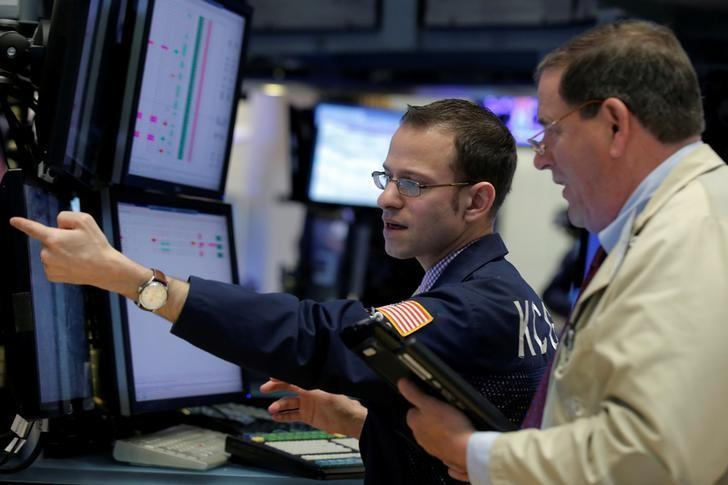 U.S. earnings still lousy, but showing signs of life
