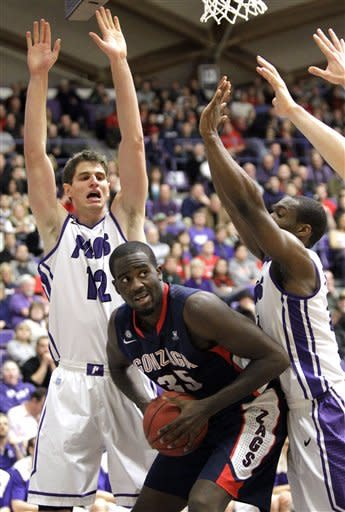 No. 8 Gonzaga defeats Portland 71-49