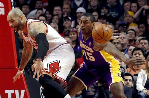 Hinrich, Belinelli lead Bulls past Lakers, 95-83