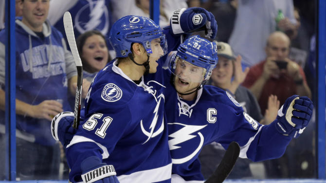 Killorn has 2 goals, Lightning beat Canucks 4-1, move to 1st