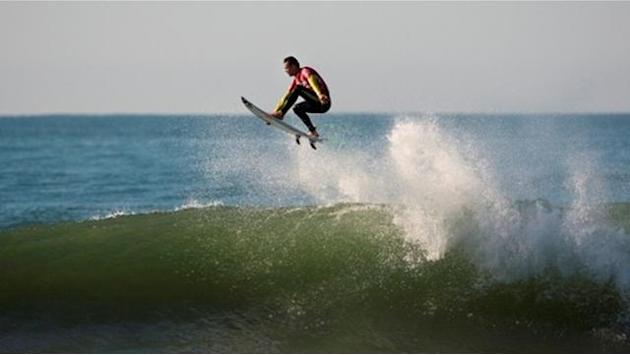 Surfing - Smith flies highest at Ballito last eight decided