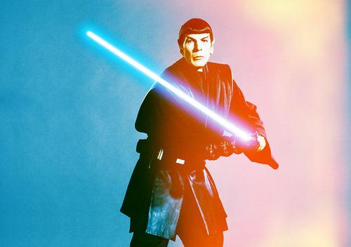 Internet Boldly Uses the Force on Star Wars, Star Trek Memes