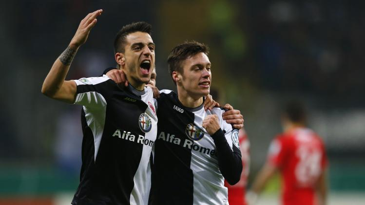 Eintracht Frankfurt's Joselu celebrates with his Kadlec goal against SV Sandhausen during German soccer cup round of 16 soccer match in Frankfurt