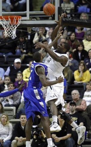 Vanderbilt holds off Middle Tennessee 84-77