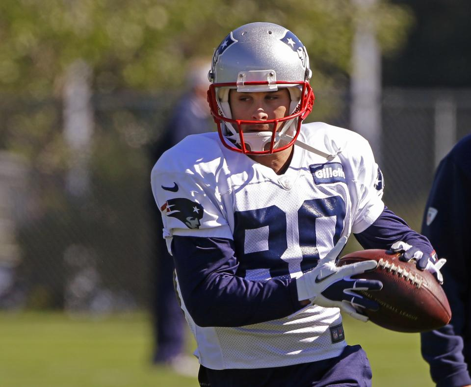 Brady assumes Gronkowski out until told otherwise
