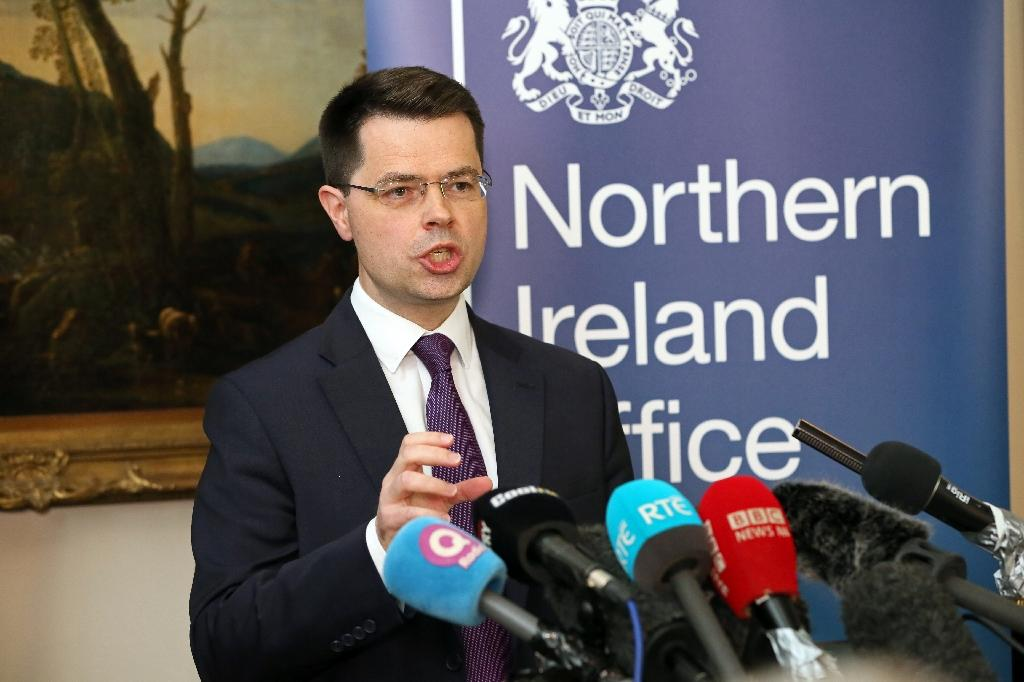 Deadlocked Northern Ireland set for snap elections