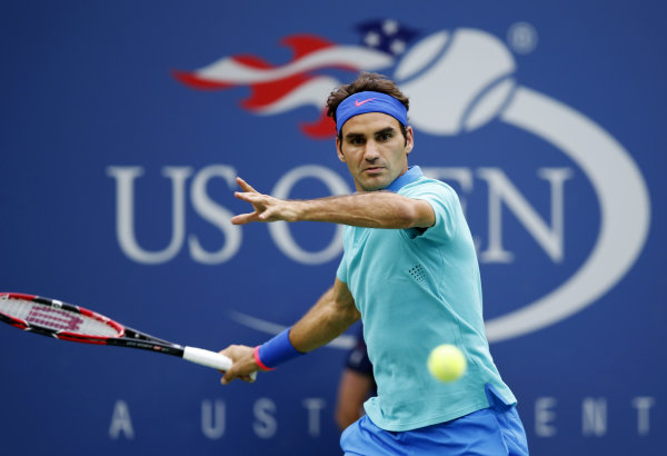 Roger Federer advances in 4 sets at US Open