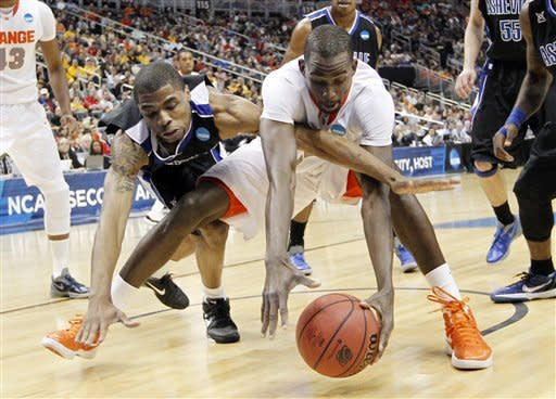 Syracuse avoids being first No. 1 to lose to 16