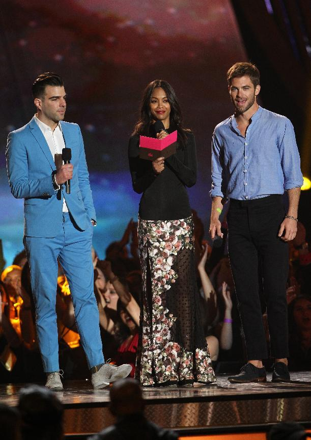 Zachary Quinto, Zoe Saldana and Chris Pine, from left, present the award for best fight at the MTV Movie Awards in Sony Pictures Studio Lot in Culver City, Calif., on Sunday April 14, 2013. (Photo by Matt Sayles/Invision /AP)