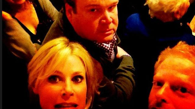 'Modern Family' Stars Stuck in Crowded Elevator