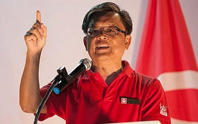 SDP candidate Tan Jee Say defended his credentials. (Yahoo! photo/Faris Mokhtar)