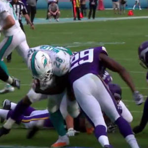 Miami Dolphins running back Lamar Miller up the middle for 1-yard touchdown