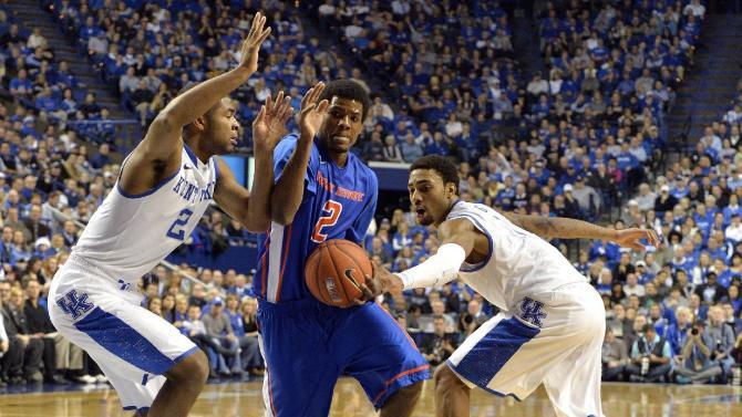 No. 11 Kentucky beats Boise State 70-55