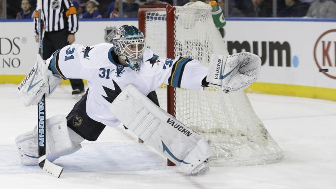 Niemi, Couture lift surging Sharks over Rangers