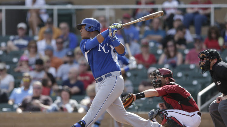 Salvador Perez feeling 'sad' about line drive that hit Aroldis …