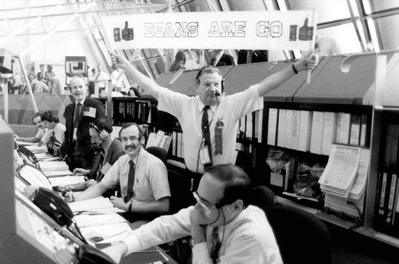 Norm Carlson, Who Gave 'Go' for NASA's Saturn V, Shuttle and Beans, Dies at 81