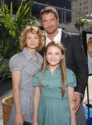 Jodie Foster , Gerard Butler and Abigail Breslin  at the Hollywood premiere of Fox Walden's Nim's Island – 03/30/2008 Photo: John Shearer, WireImage.com