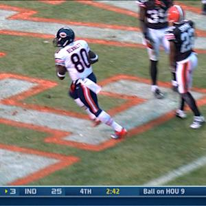 Chicago Bears wide receiver Earl Bennett 4-yard TD catch