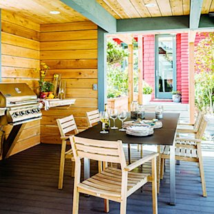 Cedar wood gives the outdoor kitchen warmth