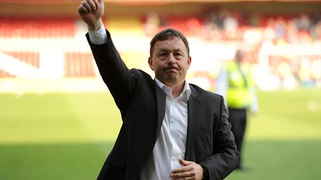 Billy Davies has completed his return to Nottingham Forest