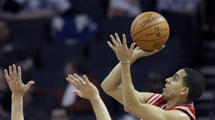 Parsons' 20 points lead Rockets past Bobcats 82-70