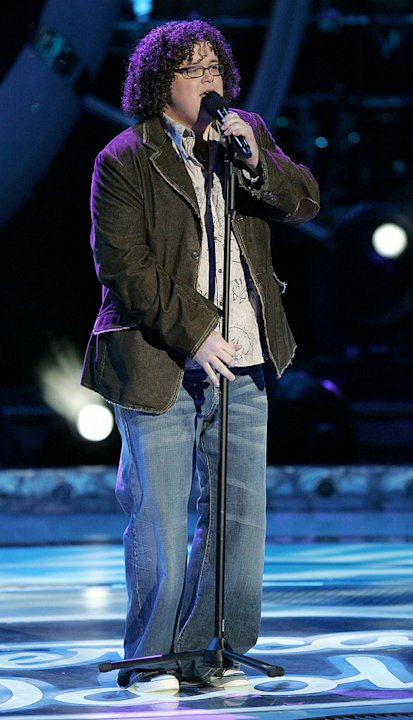 Chris Sligh performs as one of the top 10 contestants on the 6th season of American Idol. 