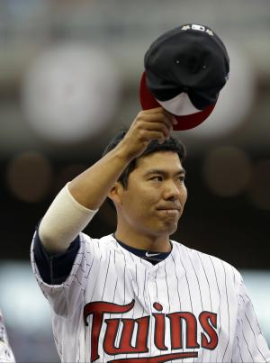 Twins sign Kurt Suzuki to 2-year extension